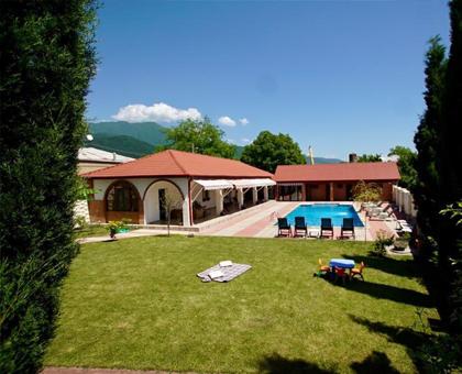475 ლარად! გაატარე სასიამოვნო დრო შენს ახლობლებთან ერთად ყვარელში  სასტუმროში Pawlonia Villa !