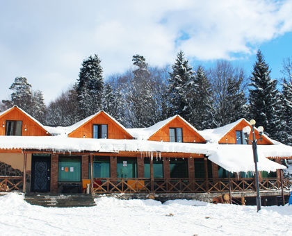 115 ლარიდან! ნომერი სამჯერადი კვებით «Hotel Eco House In Bakuriani • სასტუმრო ეკო ჰაუსი ბაკურიანში»