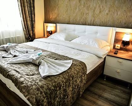 თბილისის სასტუმრო «The K» გთავაზობთ სასურველი ნომრების დაქირავებას 2, 3 ან 4 სტუმარზე 56 ლარიდან!