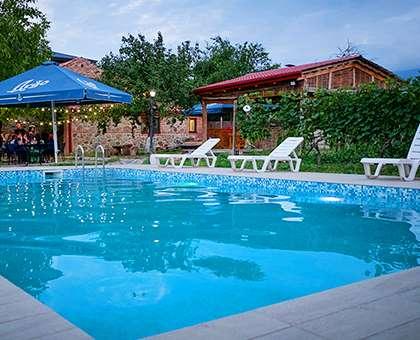 დაისვენეთ Premium კლასის სასტუმროში 120 ლარიდან!