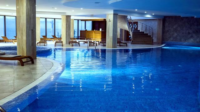 25 ლარად! ისარგებლე დახურული აუზით სასტუმროში «Colosseum Marina Hotel»!
